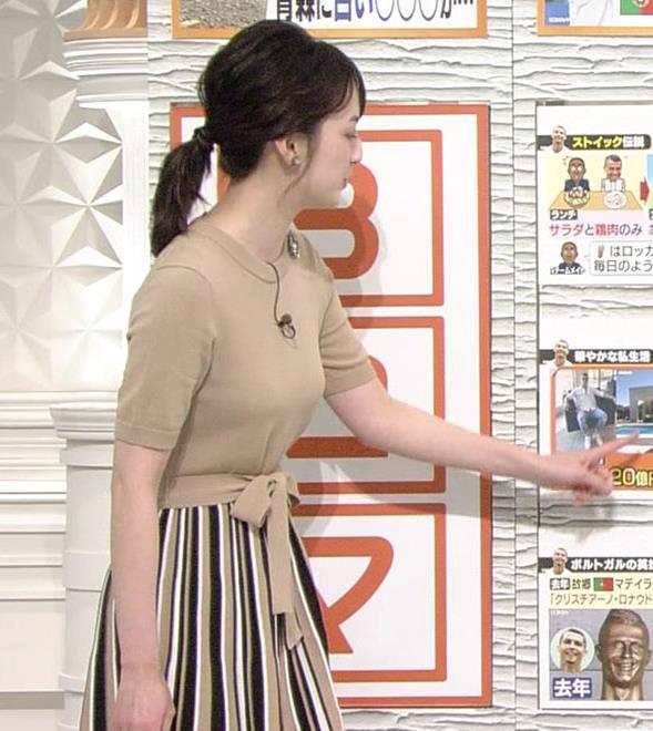 山本恵里伽アナ おっぱいが何気に際立つエロい服キャプ・エロ画像12