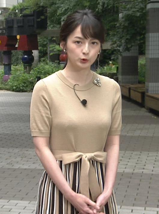 山本恵里伽アナ おっぱいが何気に際立つエロい服キャプ・エロ画像3