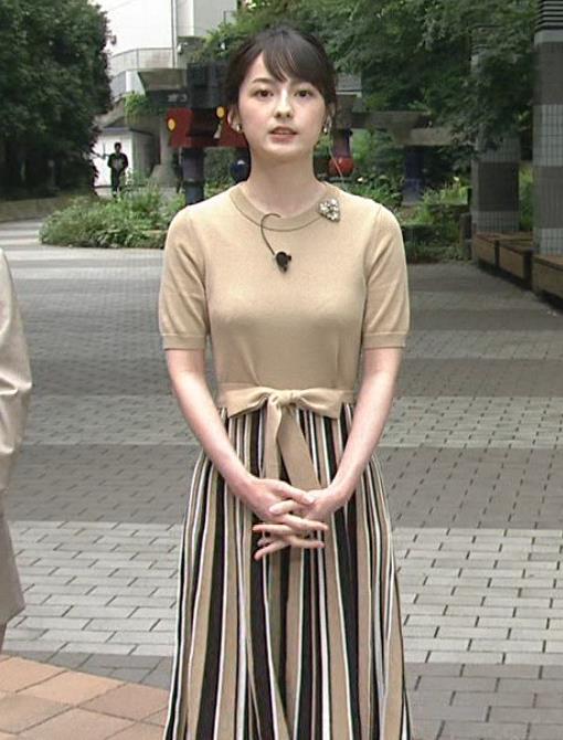 山本恵里伽アナ おっぱいが何気に際立つエロい服キャプ・エロ画像7