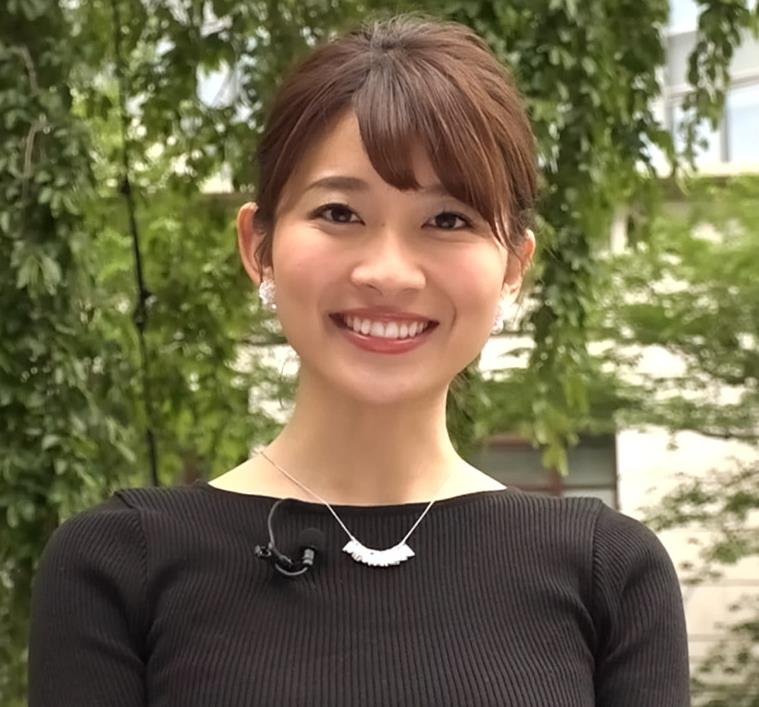 山本里菜アナ このTBS女子アナもおっぱいデカそうキャプ・エロ画像2