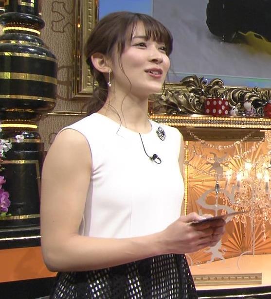 山本里菜アナ ノースリーブ横乳(新サンジャポアシスタント)キャプ・エロ画像3
