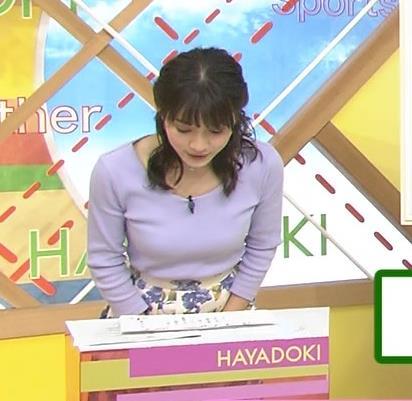 山本里菜アナ デカそうなニット乳キャプ・エロ画像2