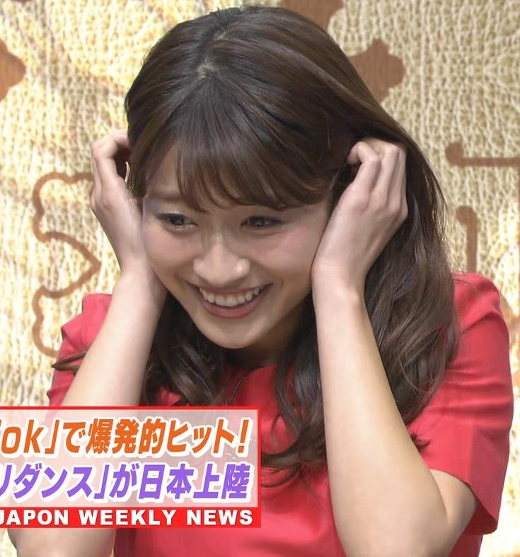 山本里菜アナ スカートひらひらの脚が見えるダンスキャプ・エロ画像12
