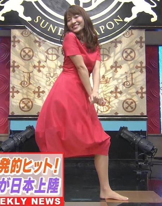 山本里菜アナ スカートひらひらの脚が見えるダンスキャプ・エロ画像7