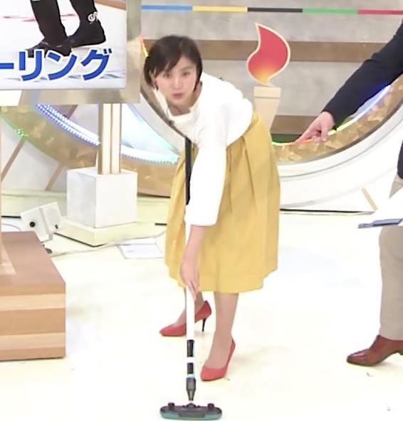 山本雪乃アナ カーリングで胸ちらキャプ・エロ画像4