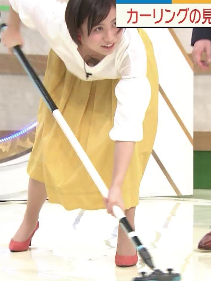山本雪乃アナ カーリングで胸ちらキャプ・エロ画像6