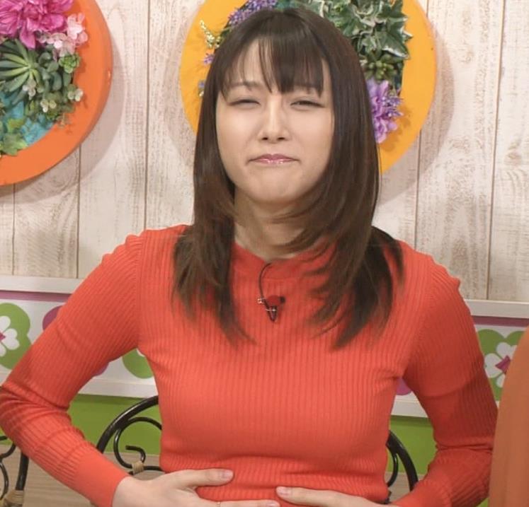 山崎あみ 太ももとニット乳がエロい(ズムサタ)キャプ・エロ画像6