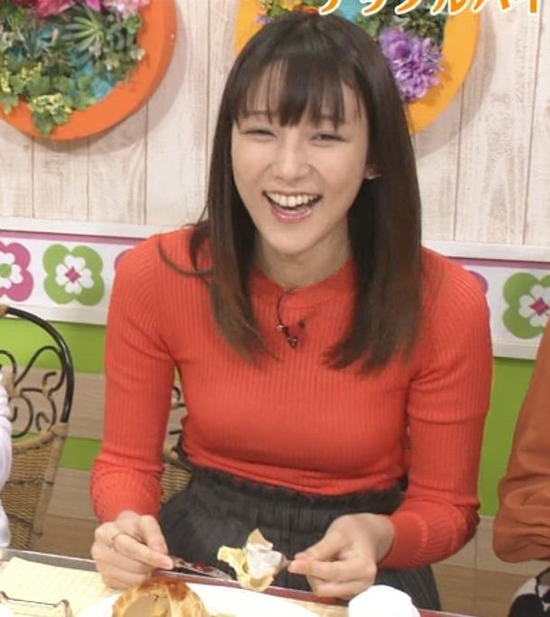 山崎あみ 太ももとニット乳がエロい(ズムサタ)キャプ・エロ画像10
