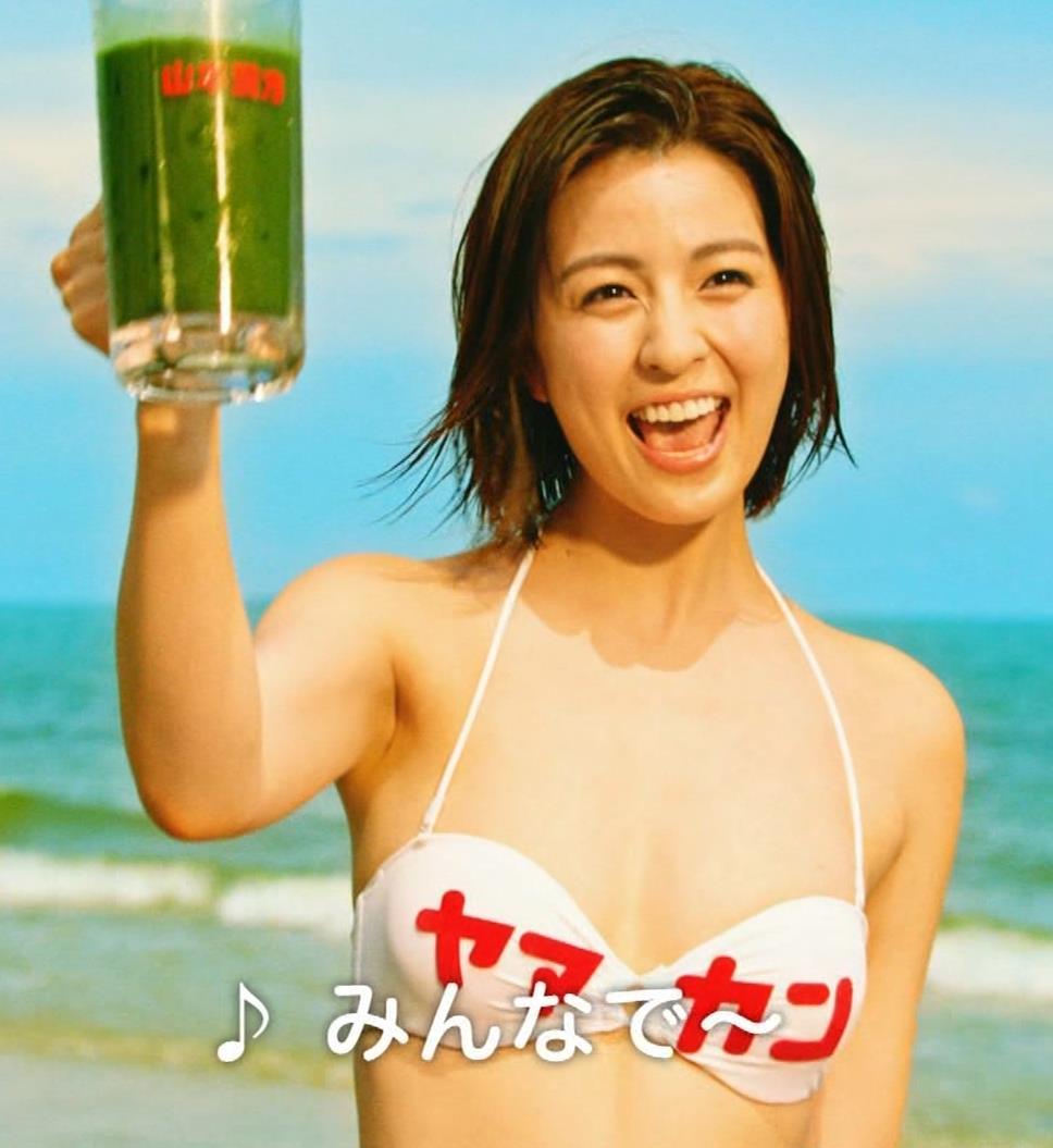柳ゆり菜 ビキニの健康食品CMがぶっ飛んでてエロ過ぎキャプ・エロ画像15