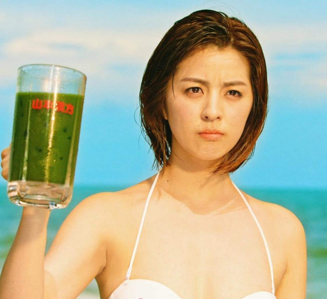 柳ゆり菜 ビキニの健康食品CMがぶっ飛んでてエロ過ぎキャプ・エロ画像16