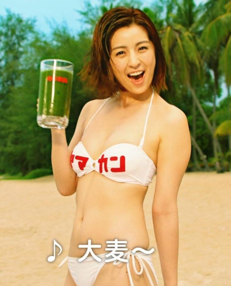 柳ゆり菜 ビキニの健康食品CMがぶっ飛んでてエロ過ぎキャプ・エロ画像3