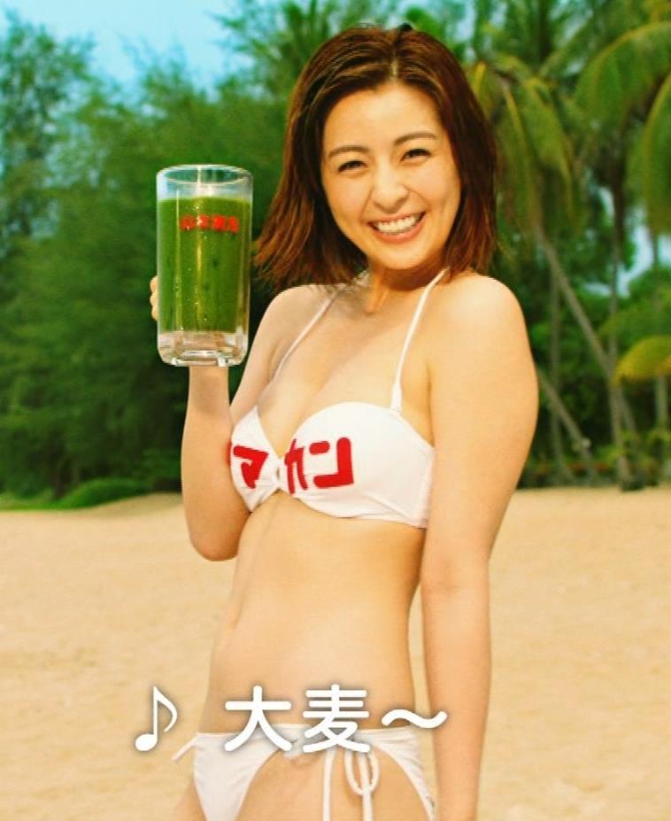 柳ゆり菜 ビキニの健康食品CMがぶっ飛んでてエロ過ぎキャプ・エロ画像4
