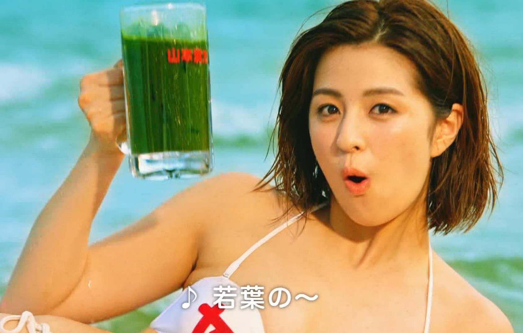 柳ゆり菜 ビキニの健康食品CMがぶっ飛んでてエロ過ぎキャプ・エロ画像7
