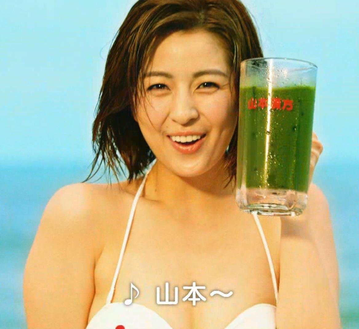 柳ゆり菜 ビキニの健康食品CMがぶっ飛んでてエロ過ぎキャプ・エロ画像10