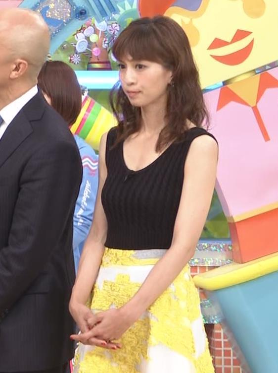 安田美沙子 露出度高いノースリーブ。垂れてそうなおっぱいキャプ・エロ画像