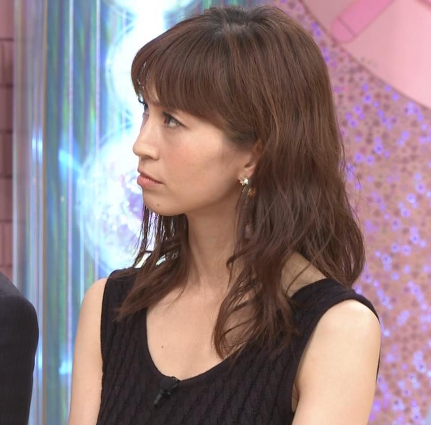 安田美沙子 露出度高いノースリーブ。垂れてそうなおっぱいキャプ・エロ画像6