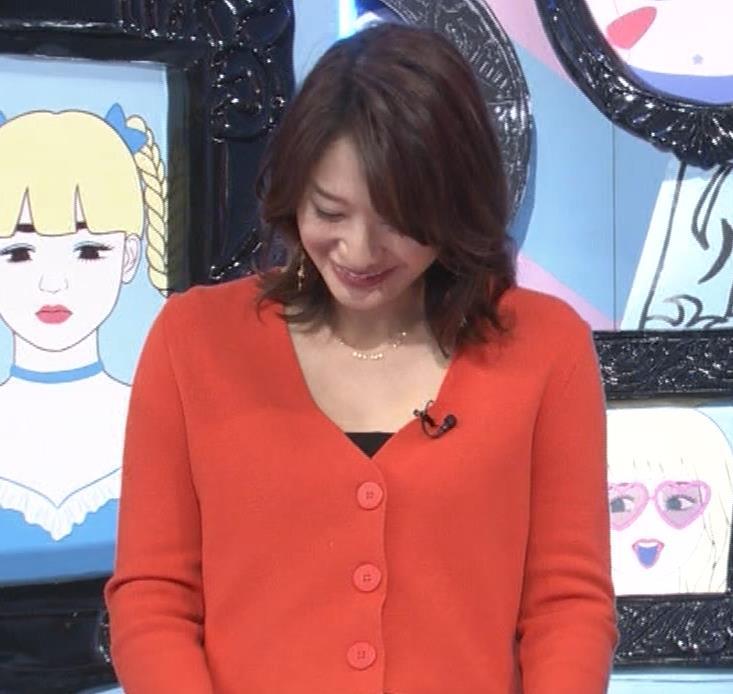 吉田明世アナ 胸元開けめでちょいエロキャプ・エロ画像6