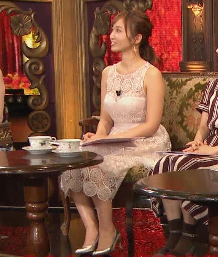 吉木りさ 胸元スケスケレースのドレスキャプ・エロ画像4