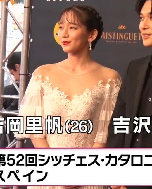吉岡里帆 映画祭でセクシードレスキャプ・エロ画像2