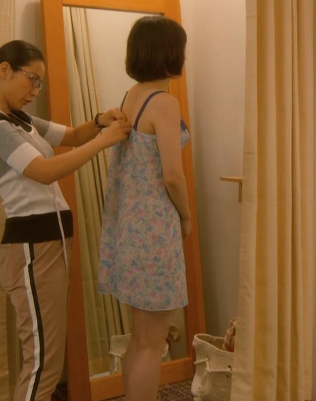 吉岡里帆 (エロドラマ)また下着姿でおっぱいプルプルキャプ・エロ画像4