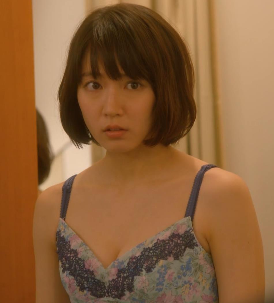 吉岡里帆 (エロドラマ)また下着姿でおっぱいプルプルキャプ・エロ画像7