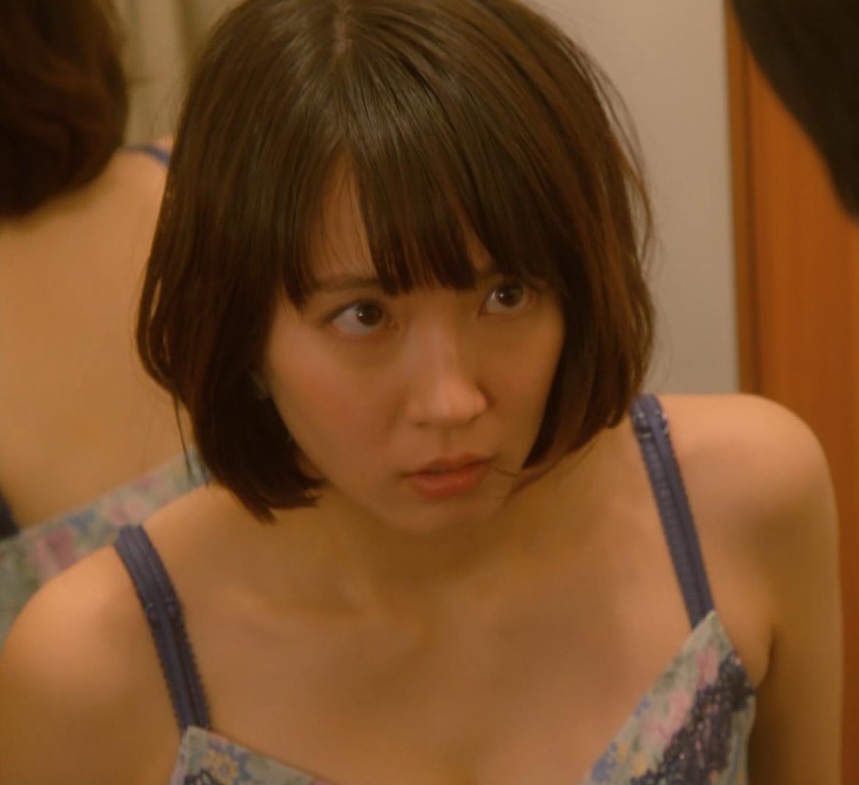 吉岡里帆 (エロドラマ)また下着姿でおっぱいプルプルキャプ・エロ画像10