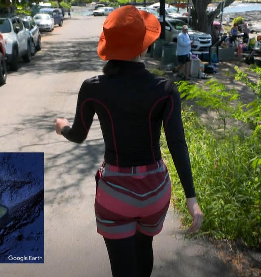 吉岡里帆 BSで水着姿になってたよ[横乳]キャプ・エロ画像8