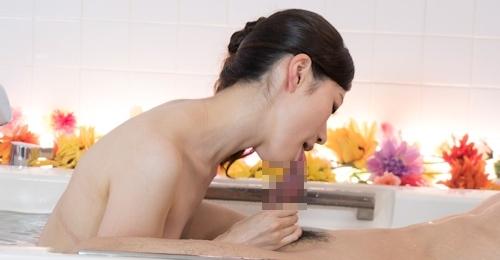 冴君麻衣子 上原まさき 二輪車ソープランド 3Pセックス画像 5
