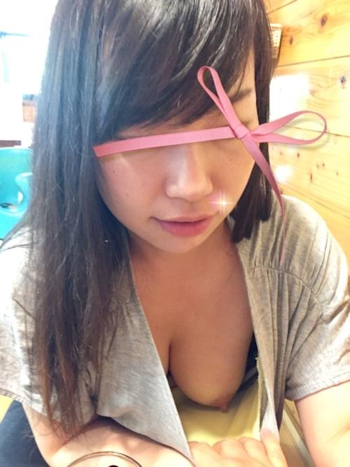 美乳な日本の素人女性をホテルで撮影したヌード画像 2