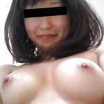 美乳な日本の素人女性のおっぱい画像