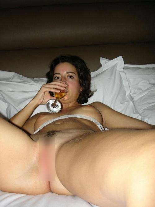 フランスのセレブな美人妻の流出ヌード画像 8