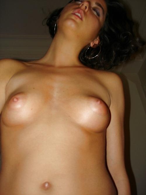 フランスのセレブな美人妻の流出ヌード画像 13