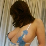 巨乳な素人美女のセクシーランジェリー画像
