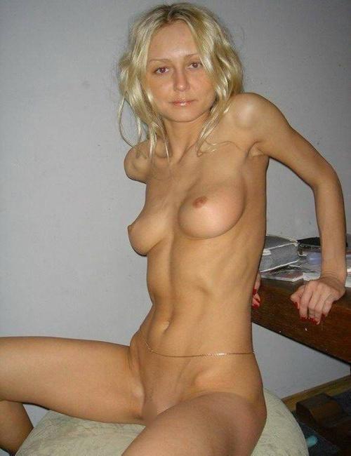 金髪美人なガールフレンドのプライベートヌード画像 9