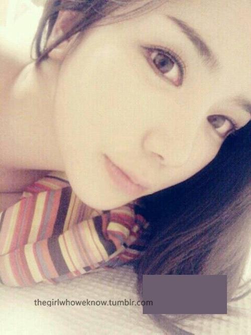 ホテルで撮影した中国素人美女のヌード画像 2