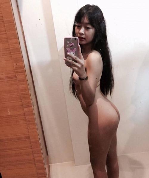 タイの素人美少女の自分撮りヌード画像 2