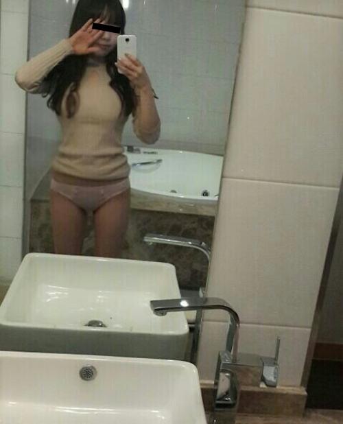 韓国の素人美女(23歳)がラブホで自分撮りした流出ヌード画像 4