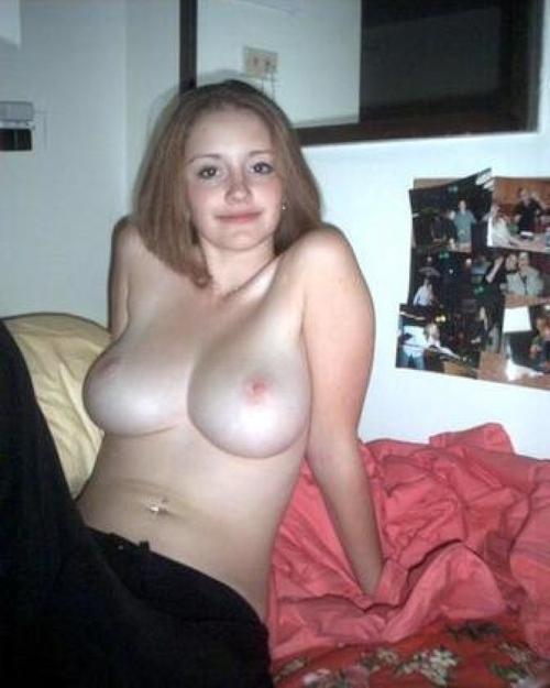 ロシアの巨乳美少女のプライベートヌード画像 17