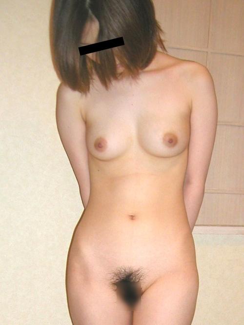 美乳な日本の素人美女をホテルで撮影したヌード画像 6