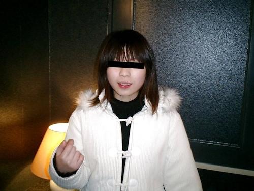 美乳な日本の素人美女をホテルで撮影したプライベートヌード画像 1