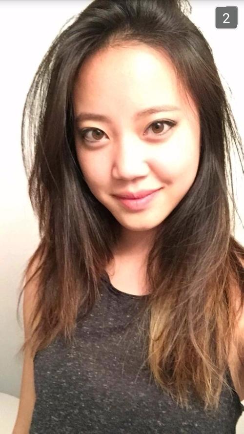 アジアン美女モデルの自分撮りヌード画像 1