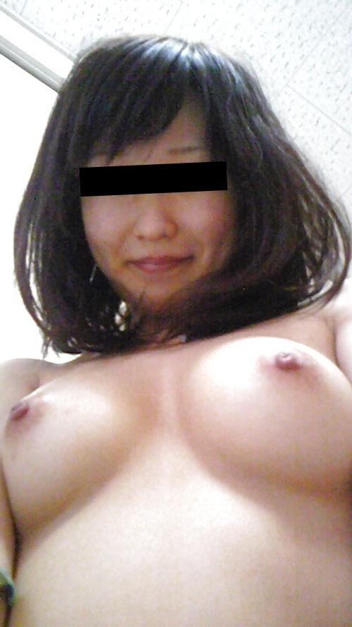 美乳な日本の素人美女のヌード画像 6