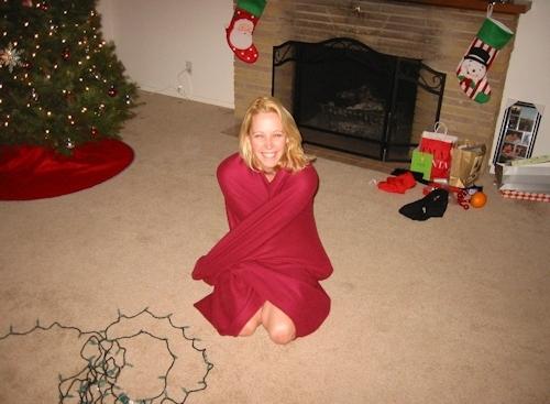 クリスマスに撮影した金髪西洋素人美女のプライベートヌード画像 2