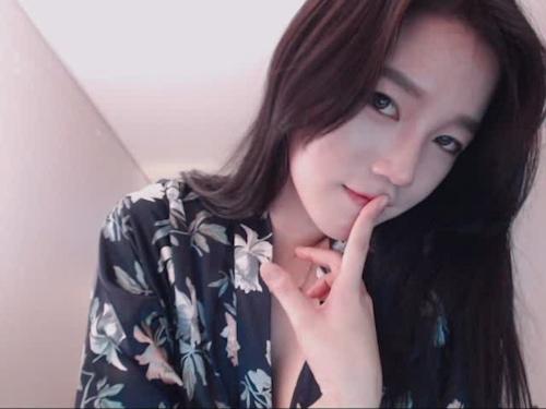 韓国の美人BJがネット配信してるセクシーヌード画像  1