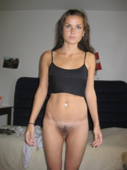 フランスの素人美女のプライベートヌード画像 2
