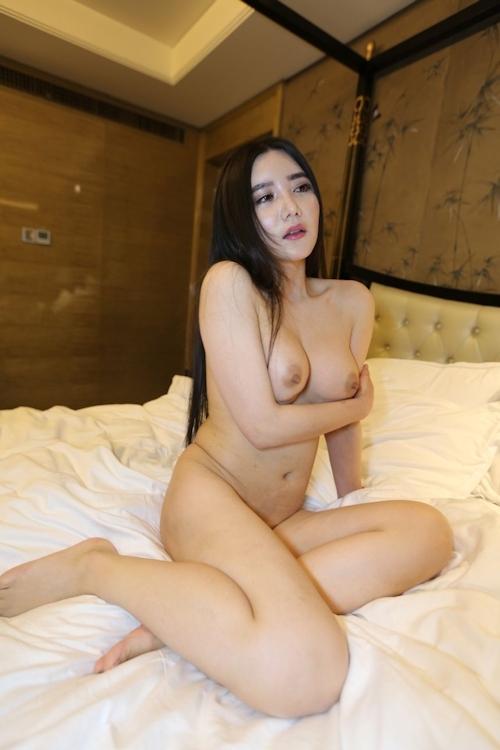 巨乳な中国美女モデル 李妍曦(Li Yanxi) セクシーヌード画像 3