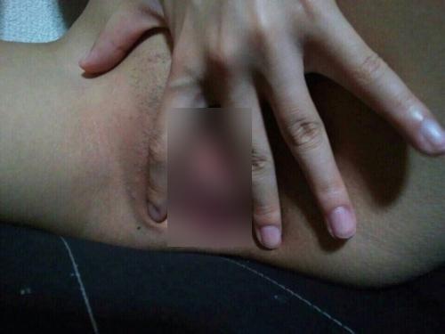 美乳&パイパンな黒髪アジアン美少女の自分撮りヌード画像 8