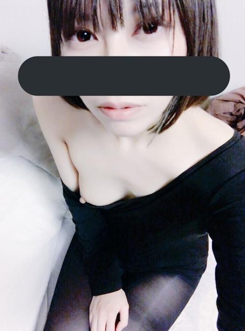 美微乳な日本の素人美少女が裏垢にアップした自分撮りヌード画像  7