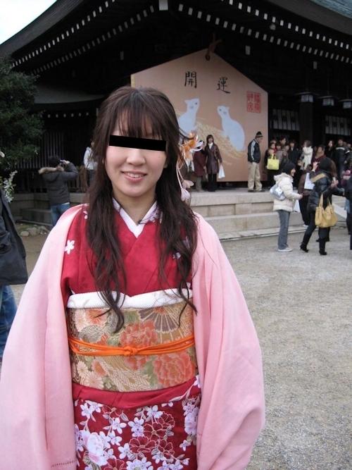着物を着た日本の素人美女の流出ヌード画像 2