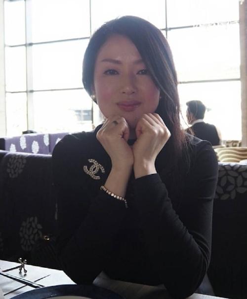 清楚な日本の素人美女のフェラ画像 1